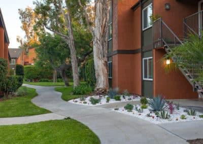 Walk ways at Highland Pinetree Apartments